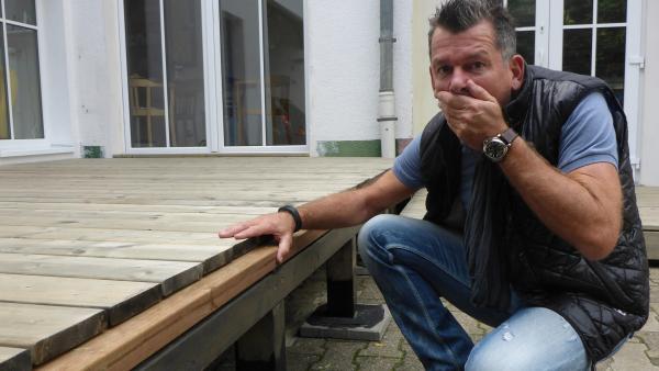 Bild 1 von 10: Welches Pärchen darf sich am Ende über die Siegprämie freuen? Heimwerker-Experte Mark Kühler testet, welcher der angeblich handwerklich begabten Ehemänner halten kann, was er verspricht ...