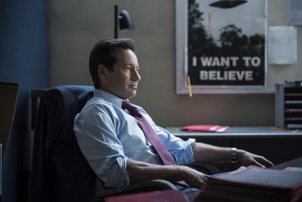 Bild 1 von 35: Seine neusten Erkenntnisse lassen Mulder (David Duchovny) an all dem zweifeln, was er bisher herausgefunden hat ...