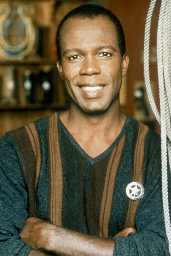 Bild 1 von 2: 6. Staffel. James Trivette (Clarence Gilyard Jr.)