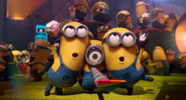 Bild 1 von 15: Die Minions, Gru's kleine Helfer, feiern eine Party.