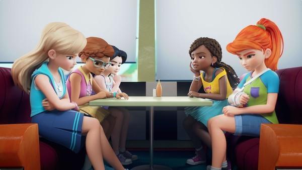Bild 1 von 24: Stephanie, Olivia, Emma, Andrea und Mia (v.l.n.r.) müssen immer noch überlegen, wer das Rennauto \