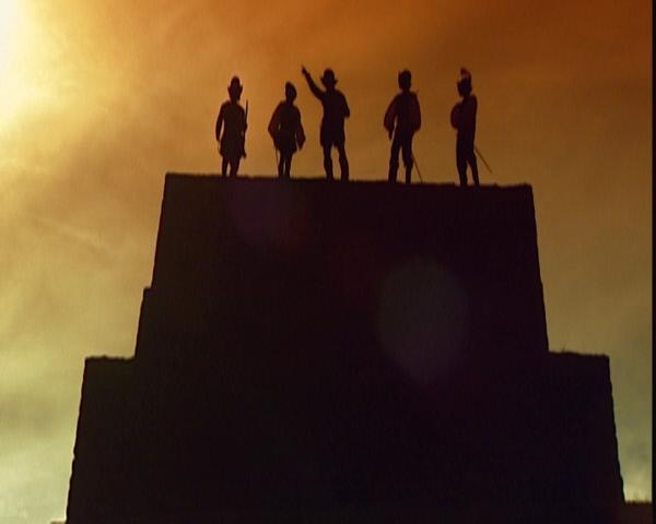 Bild 1 von 3: Hernán Cortés und seine Männer, stolze Eroberer Mexikos, thronen auf den heiligen Pyramiden der Azteken. Ihre überlegenen Waffen, die eingeschleppten Krankheiten, die die Ureinwohner dahinraffen und die innen- und außenpolitische Schwächen des aztekischen Reichs führen zur Herrschaft der Spanier über Mesoamerika und dem Untergang der Azteken.