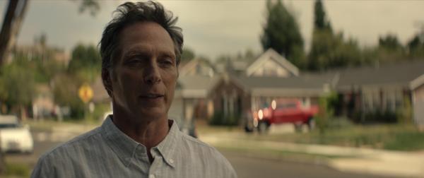 Bild 1 von 6: Das ruhige Leben des verheirateten Mike (William Fichtner) nimmt eine Wendung, als neue Bewohner ins Haus nebenan einziehen: Jenna und ihr Ehemann Scott.