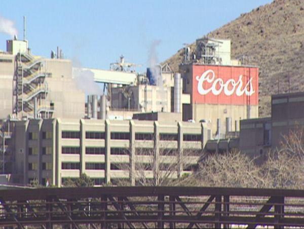 Bild 1 von 2: Der Erbe einer der größten Bierbrauereien Amerikas verschwindet im Jahr 1960 auf dem Weg zur Arbeit.