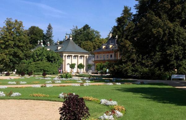 Bild 1 von 5: Schloss und Park Pillnitz