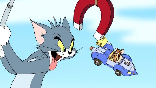 Bild 1 von 8: Tom will unbedingt verhindern, dass der kleine Jerry das Autorennen gewinnt.