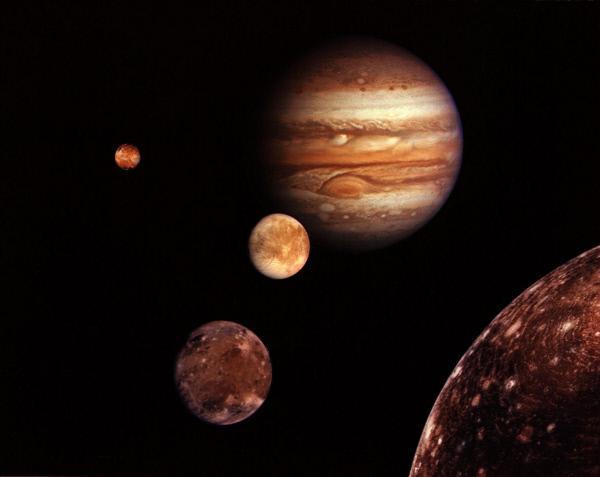 Bild 1 von 2: Gibt es Leben im All - und zwar nicht viele Lichtjahre entfernt, sondern in direkter Nachbarschaft zur Erde? Neben dem Mars wird immer wieder ein Kandidat genannt, wenn es um die Suche nach Leben in unserem Sonnensystem geht: der Jupitermond Europa.