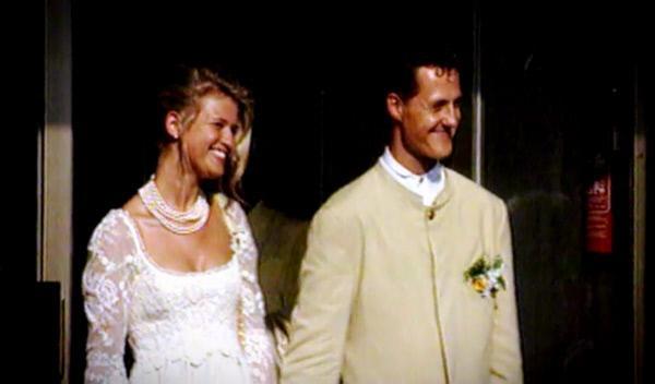 Bild 1 von 6: Die größten Promi-Dramen: Michael Schumacher - das Schicksal der Rennfahrerlegende ...
