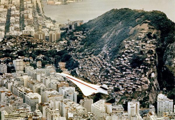 Bild 1 von 5: Der Liebling des Jetsets: die Concorde 01 über Rio de Janeiro  im Jahr 1971.