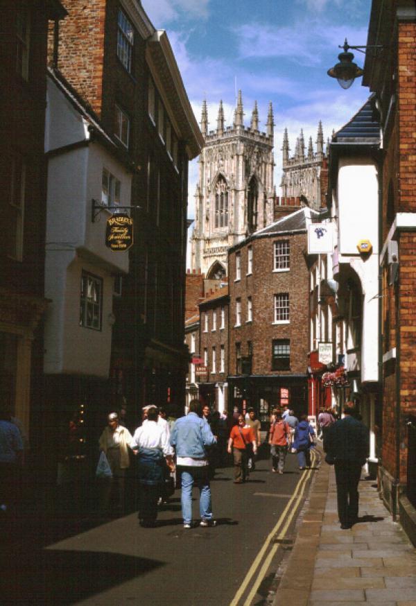 """Bild 1 von 2: Nordengland York - alte Bischofsstadt York ist mit 504 Geistern die """"verwunschenste"""" ganz Englands."""