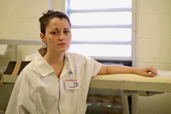 Bild 1 von 8: Noch stehen die Chancen gut, dass Amy Price nach dem Verbüßen ihrer Strafe nicht zurück ins Metro State Gefängnis kommt. Doch schon viele vor ihr hatte dieses Ziel ...