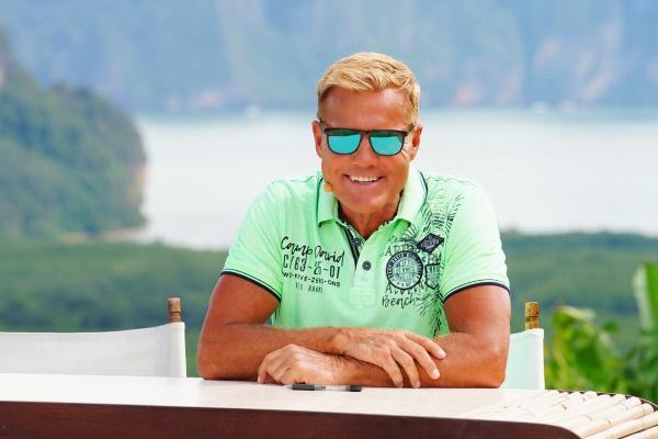 Bild 1 von 18: Chefjuror Dieter Bohlen am zweiten Set des Auslands-Recalls in Thailand in der Phang Nga Bay.