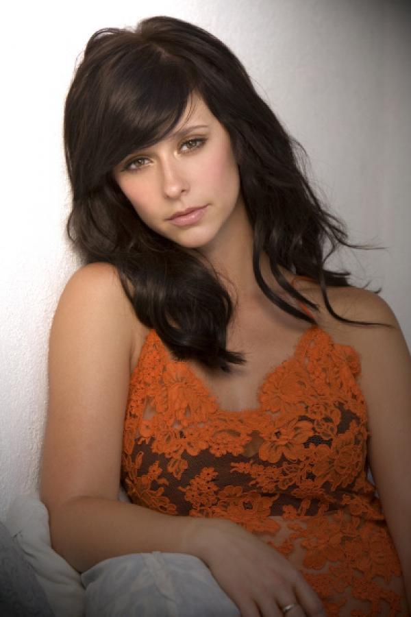 Bild 1 von 11: (2. Staffel) - Melinda (Jennifer Love Hewitt) wird immer wieder von den Geistern Verstorbener um Hilfe gebeten ...