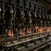 Die Schrott-Transformer: Bierflaschen aus Fenstern