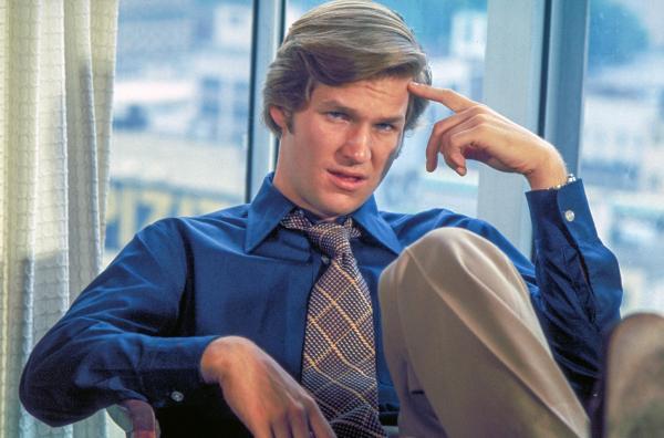 Bild 1 von 8: Schauspieler Jeff Bridges spielt an der Seite von Clint Eastwood den jugendlich-leichten Lightfoot in Michael Ciminos Actionkomödie \
