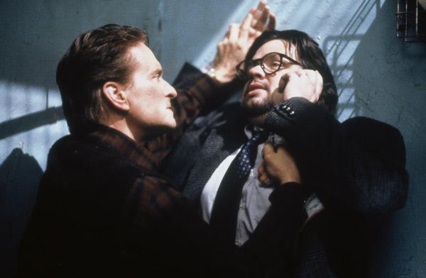 Bild 1 von 5: Als seine kleine heile Welt aus den Fugen gerät, entbrennt ein gnadenloser Zweikampf zwischen Psychiater Dr. Nathan Conrad (Michael Douglas, l.) und Dr. Louis Sachs (Oliver Platt, r.) ...