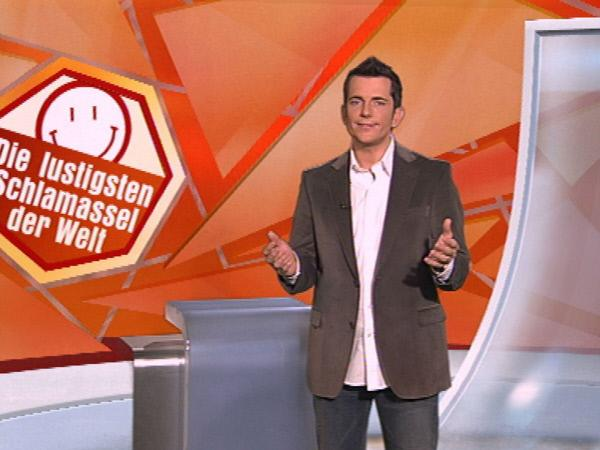 Bild 1 von 5: Moderator Thomas Schürmann präsentiert 'Die lustigsten Schlamassel der Welt'.