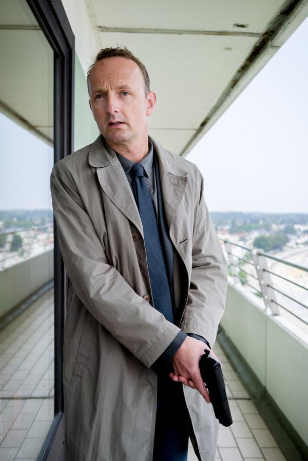 Bild 1 von 15: Jan Geissler (Peter Jordan) stellt allein die Verdächtigen im \