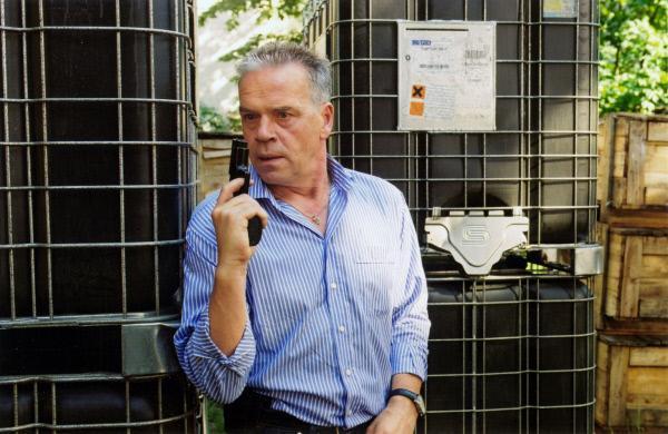 Bild 1 von 20: Kommissar Wolff (Jürgen Heinrich) wird Zeuge eines Mordes.
