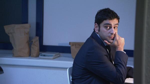Bild 1 von 21: Gibt alles, um Kriminalfälle zu lösen: Amir ...
