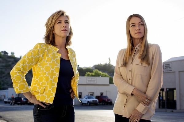 Bild 1 von 65: Kelly Siegler (l.) und Yolanda McClary lösen ad acta gelegte Mordfälle. Und das mit überwältigendem Erfolg, denn im Laufe von 50 Episoden ist es den beiden Ermittlerinnen gelungen, über 20 Verhaftungen und mehr als zehn Anklagen zu erwirken.
