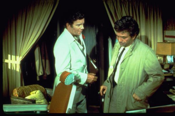 Bild 1 von 5: Ward Fowler (Wiliam Shatner, l.); Columbo (Peter Falk, r.)