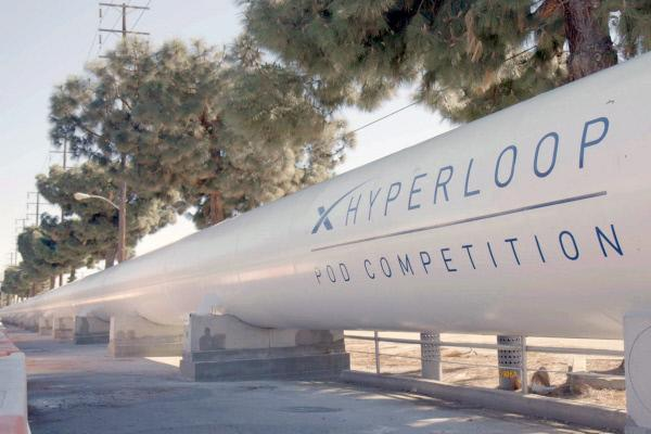 Bild 1 von 3: Der Unternehmer Elon Musk hat Studenten aus aller Welt zu einem Wettbewerb um das beste Hyperloop-Modell aufgerufen.