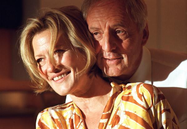 Bild 1 von 4: Ein glückliches Paar: Weinhändlerin Sonja (Suzanne von Borsody) und Amtsrichter Alain (Günther Maria Halmer).
