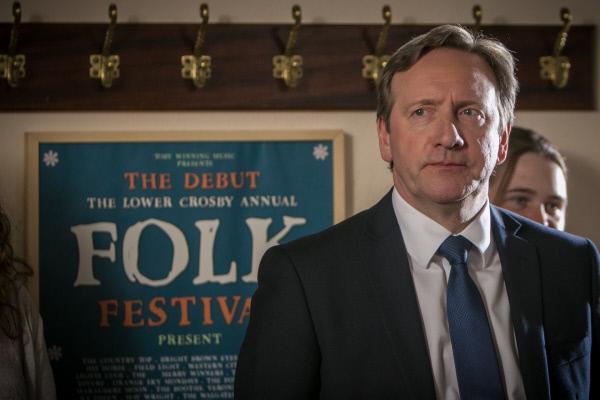 Bild 1 von 7: DCI John Barnaby (Neil Dudgeon) besucht ein Folkfestival, aus beruflichen Gründen.