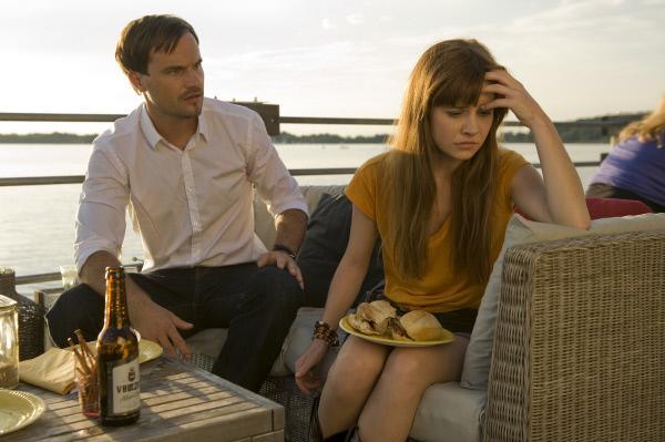 Bild 1 von 15: Lukas (Simon Eckert)  ist entsetzt, dass Lotta (Josefine Preuß) schwanger ist und er der Vater sein soll. Doch Lotta ist sich gar nicht sicher, ob sie das Kind behalten will.