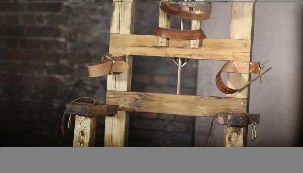 Bild 1 von 1: Der erste elektrische Stuhl.