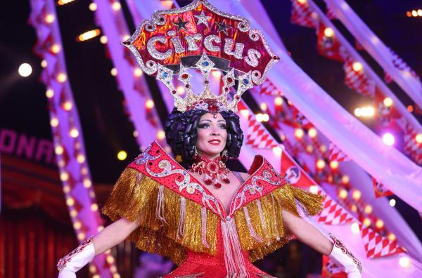 Bild 1 von 1: Opening des Zirkusfestivals in Monte Carlo mit Tänzerinnen und Tänzern.