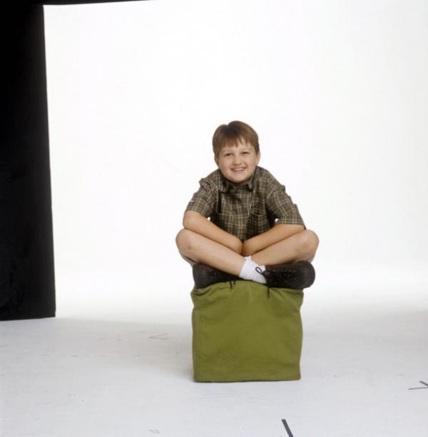 Bild 1 von 7: (1. Staffel) - Nachdem sich seine Eltern getrennt haben, lebt Jake (Angus T. Jones) mit seinem Vater und Onkel unter einem Dach. Keine leichte Situation ...