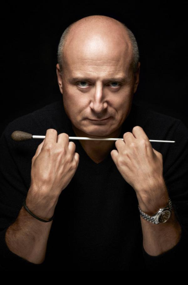 Bild 1 von 2: Dirigent Paavo Järvi