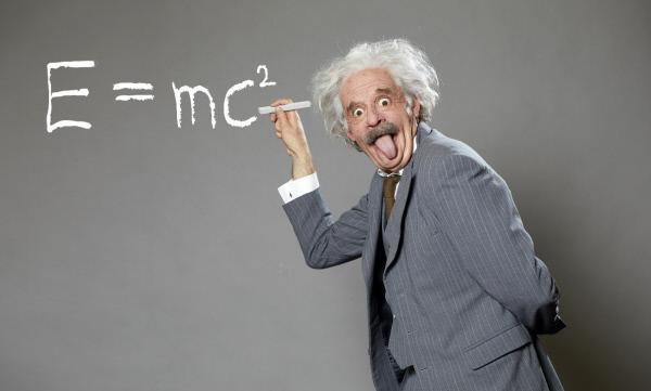Bild 1 von 23: Max Giermann als Einstein