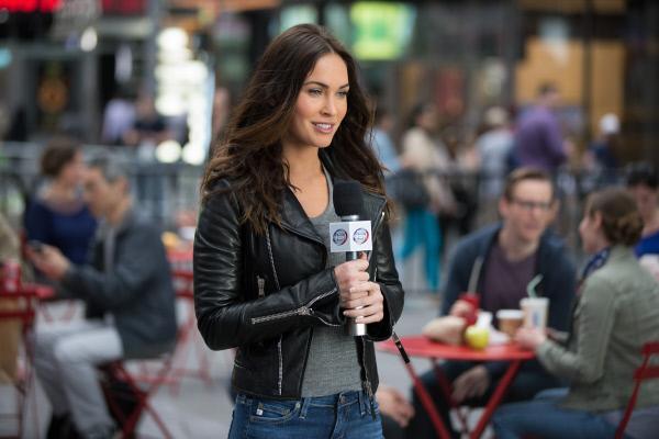 Bild 1 von 12: Die Reporterin April (Megan Fox) macht die Turtels auf eine schreckliche Entdeckung aufmerksam, denn das Böse scheint mächtiger zu werden ...