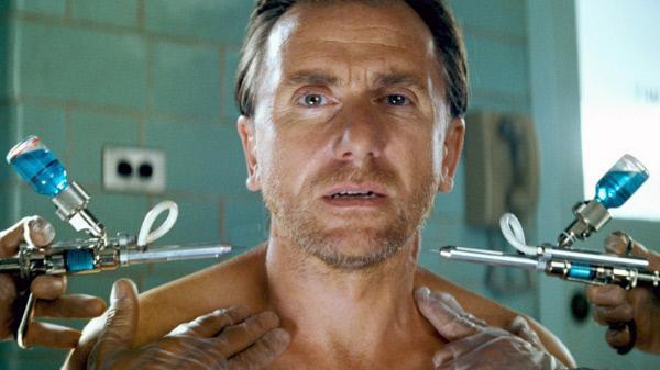 Bild 1 von 9: Der kampfbesessene Marine Emil Blonsky (Tim Roth) setzt sich freiwillig ähnlichen Experimenten wie einst Banner aus, um dem Hulk als würdiger Gegner gegenüberzutreten...