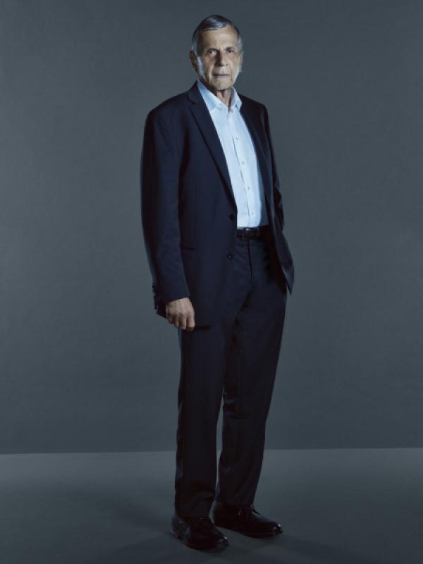 Bild 1 von 29: (11. Staffel) - Der Krebskandidat (William B. Davis) spielt seine Asse aus und will mit besonderen Deals seine besondere Machtposition stärken ...