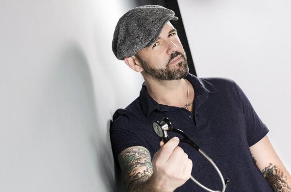 Bild 1 von 1: Dr. med Heinz-Wilhelm Esser ist Doc Esser