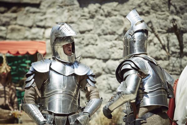 Bild 1 von 9: Wie sah eigentlich ein Auffahrunfall unter Rittern aus? Holger Stockhaus und Max Giermann zeigen es in der \