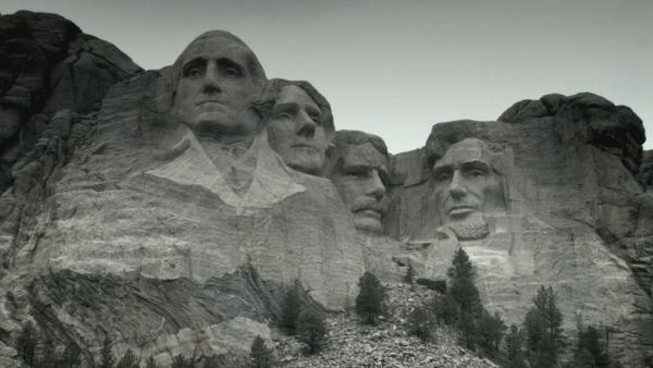 Bild 1 von 9: Mount Rushmore wurde 1941 fertiggestellt und zeigt vier wichtige Präsidenten: George Washington, Thomas Jefferson, Theodore Roosevelt und Abraham Lincoln. Jedes der Portraits ist 18 Meter hoch.