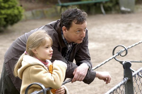 Bild 1 von 4: Achim (Matthias Brandt) erfährt von Nele (Laura Detter), dass sie ihn in der Mordnacht gesehen hat.