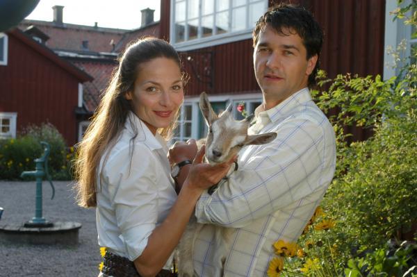 Bild 1 von 8: Caroline (Romana Pollak) und Andreas (Andreas Elsholz) in \