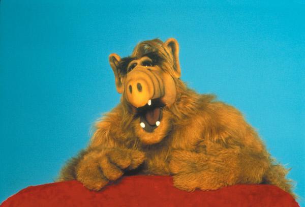Bild 1 von 3: Alf sorgt für ordentlich Wirbel bei Familie Tanner.