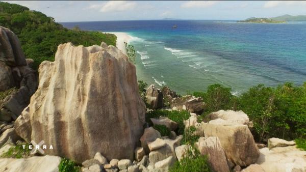 Bild 1 von 4: Die Felsen der Seychellen erzählen die Geschichte eines längst vergangenen Kontinents. Sie sind einer der Schätze, die im Inselreich bewahrt werden.
