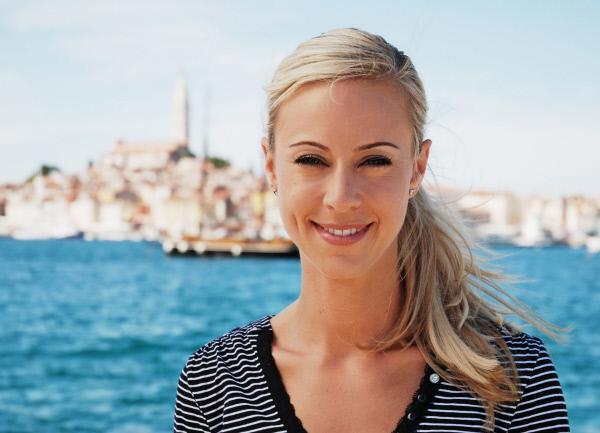 Bild 1 von 1: Moderatorin Nicole Berchtold in Kroatien
