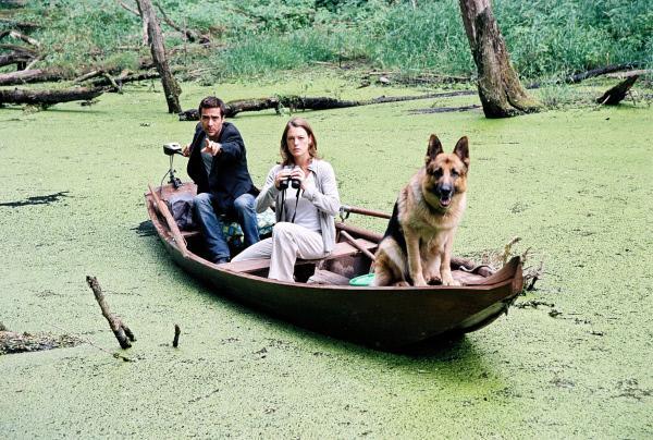 Bild 1 von 46: Marc (Alexander Pschill, l.), Niki (Elke Winkens, r.) und Rex versuchen, das Krokodil aufzuspüren ...