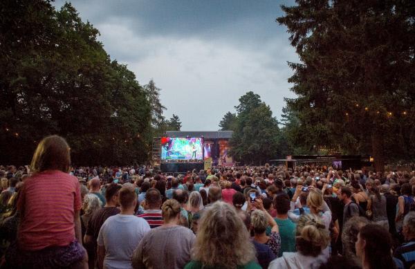Bild 1 von 1: Konzert auf der Hauptbühne im Heinepark