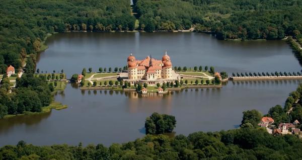 Bild 1 von 4: Schloss Moritzburg.