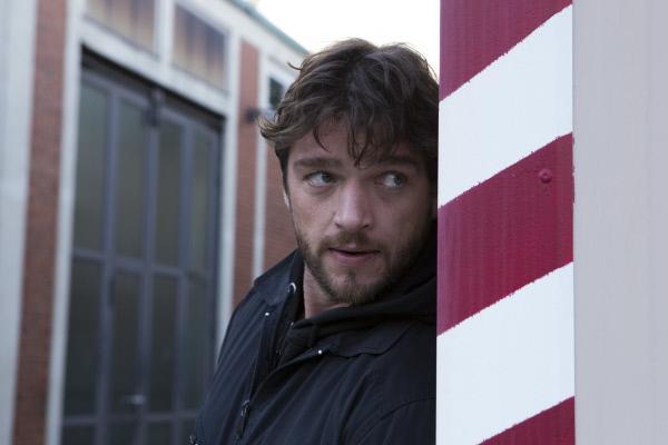 Bild 1 von 9: Georg Dengler (Ronald Zehrfeld) ist auf der Suche nach den wahren Tätern.